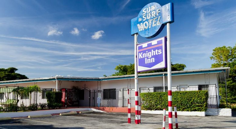 Hotel Sun And Surf Knights Inn