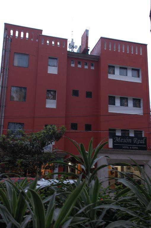 Mesón Real Hotel & Suites