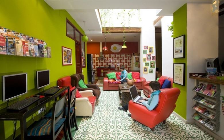 Hostal Home Youth Hostel By Feetup Hostels