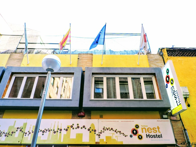 Hostal Feetup Yellow Nest