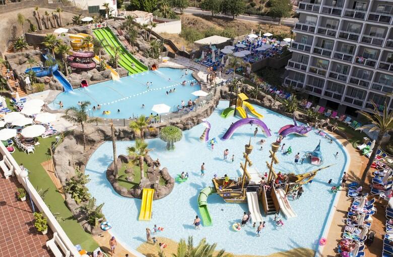 Hotel los patos park benalm dena m laga for Hoteles con piscina climatizada en andalucia