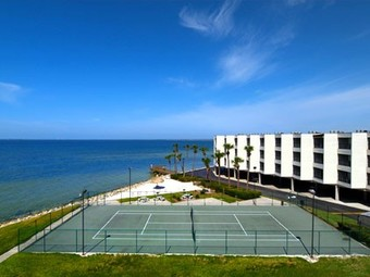 Hotel Sailport Resort Waterfront Suites On Tampa Bay