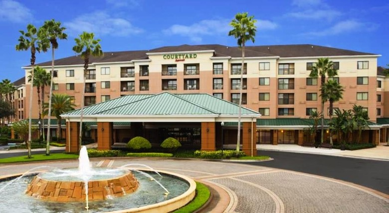 Hotel Courtyard Marriott Village