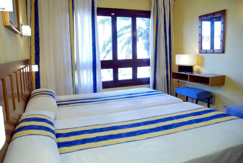Hotel londres la manga la manga del mar menor murcia for Apparthotel londres