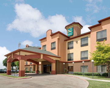 Hotel Quality Suites Bush/ Iah Airport