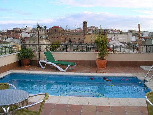 Hotel santiago linares jan for Piscina cubierta linares