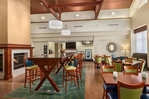 Hotel Hampton Inn & Suites Newport News-airport (oyster Point Area)