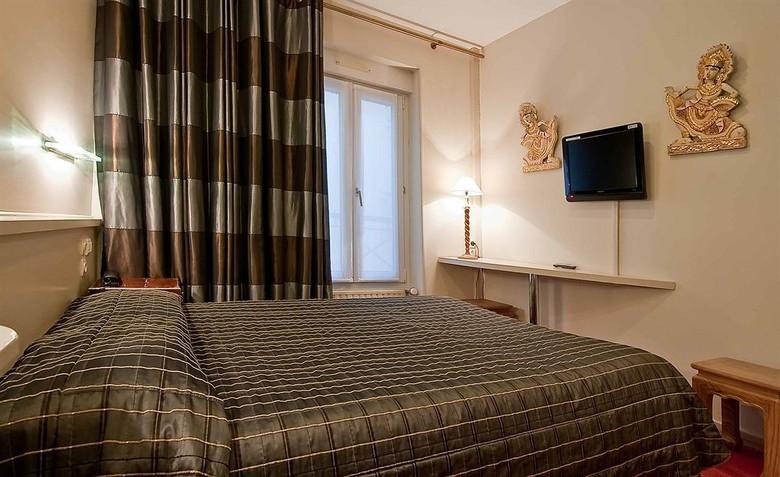 Hotel aberotel montparnasse paris paris ile de france for Hoteles con habitaciones dobles comunicadas
