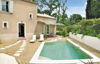 Hotel Holiday Home Saint Remy De Provence 62 With Outdoor Swimmingpool