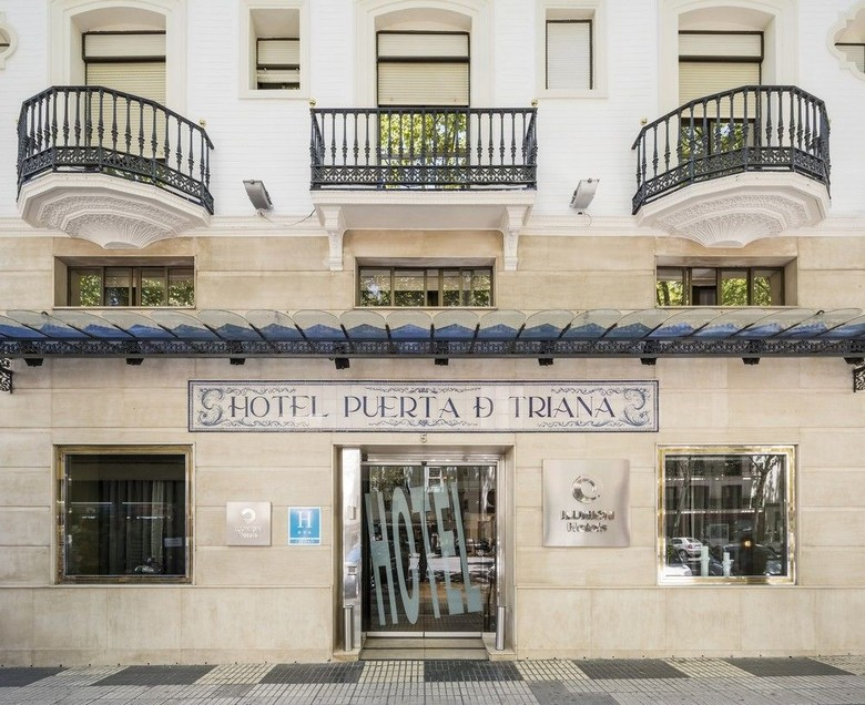 Hotel ilunion puerta de triana sevilla - Ilunion puerta de triana ...