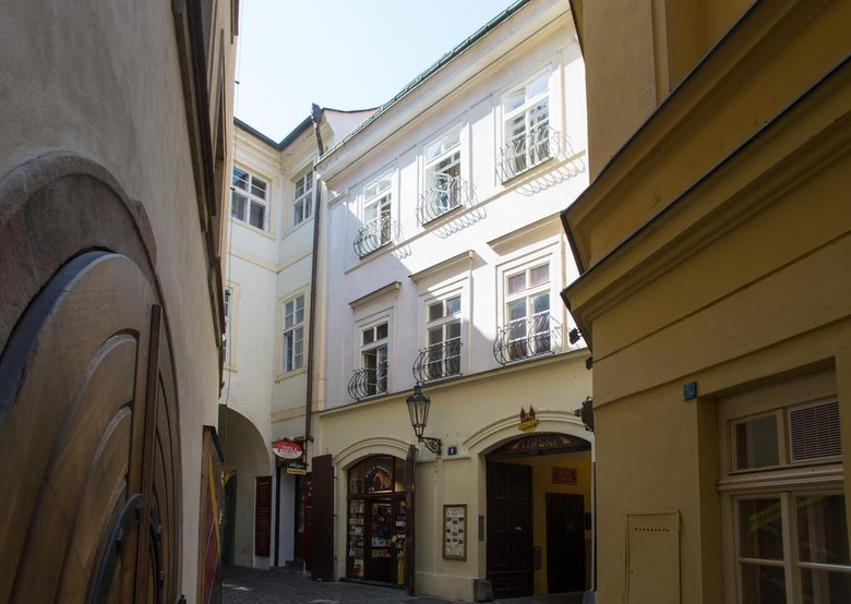 Apartamentos Prague Siesta Apartments