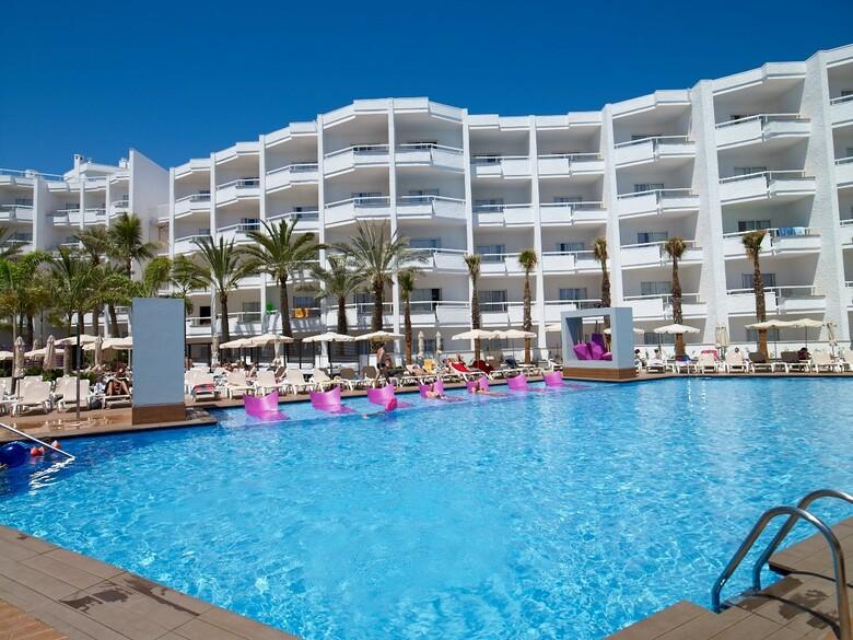 Hotel riu don miguel slo adultos playa del ingls gran for Hoteles 4 estrellas gran canaria
