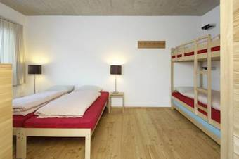 Albergue Youth Hostel Scuol