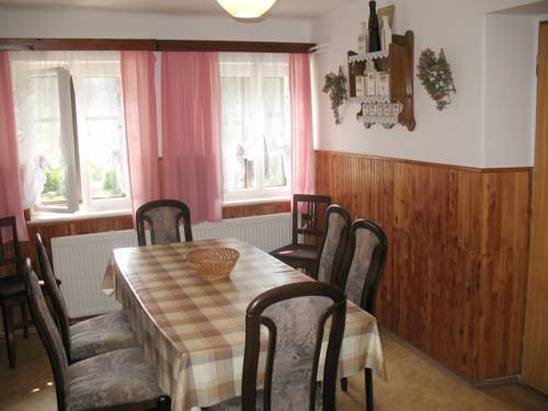 Hotel Holiday Home Belun-hermanice N. Labem 1