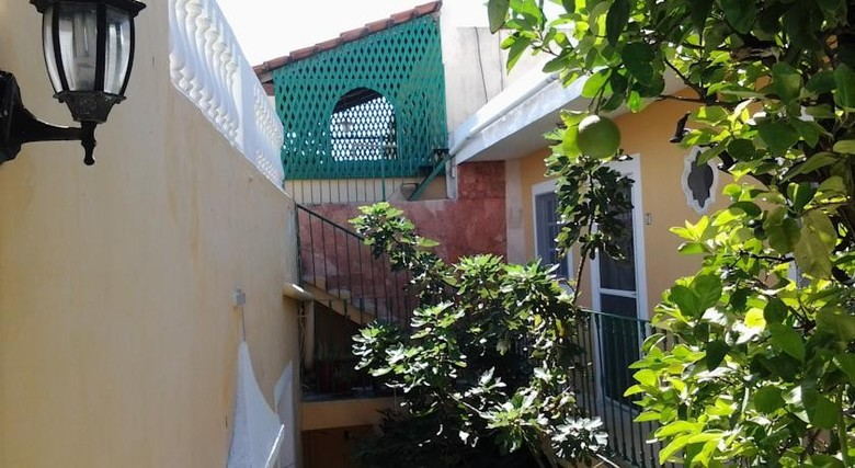 Hostal 62 St. Guesthouse