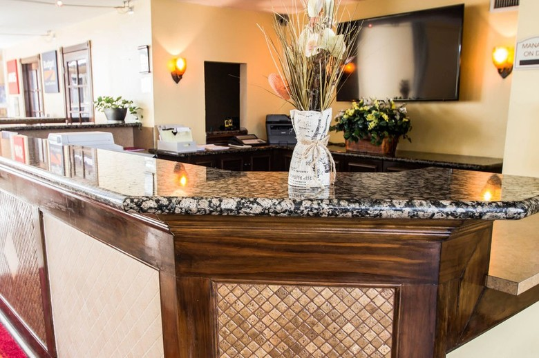 Hotel Econo Lodge Inn & Suites Near Florida Mall