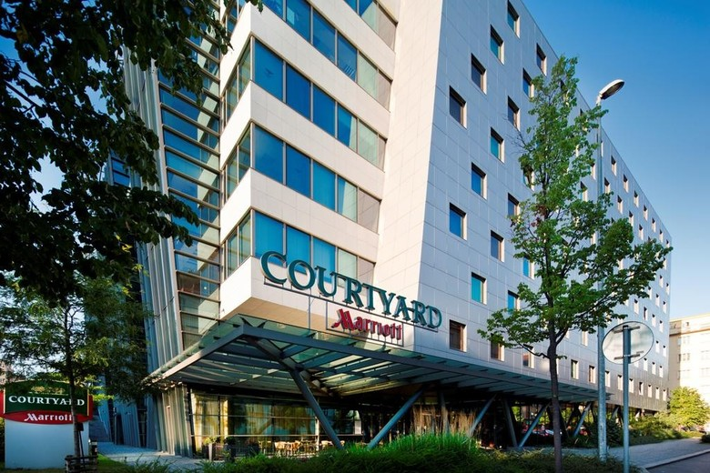 Hotel Courtyard By Marriott Prague City
