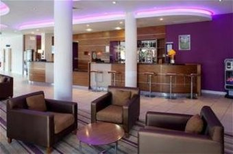 Hotel Express By Holiday Inn London Newbury Park