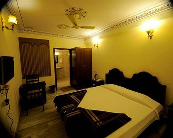 Bed & Breakfast Laxmi Palace - A Heritage Home