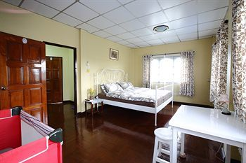 Bed & Breakfast Mon Lodge & Yoga Donmuang