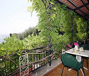 Villa Sorrento Holidays (v402)