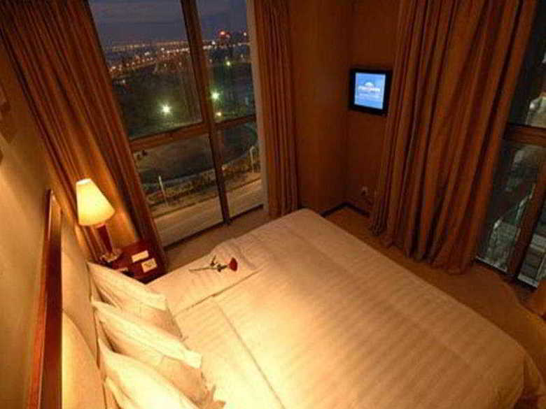 Hotel Howard Johnson Zhangjiang
