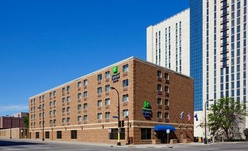 Hotel Holiday Inn Express Downtown Convention Center