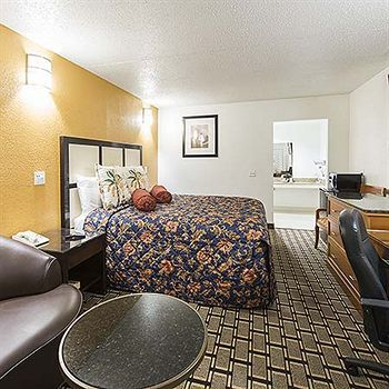 Hotel New Six Inn And Suites Houston