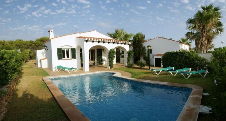 Villa villas calan bosch cap d artruix menorca for Jardin hormiguita viajera villa bosch