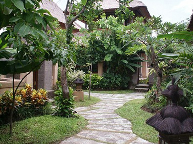 Hotel Sri Phala Resort And Villa