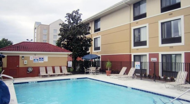 Hotel Extended Stay Deluxe Universal