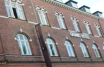 Hotel First Grand