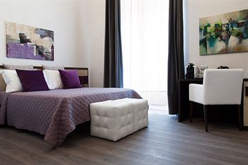 Bed & Breakfast Arenula Suites