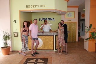 Hotel Tuvanna Beach