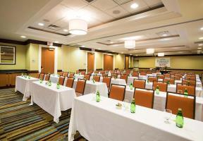 Hotel Fairfield Inn & Suites By Marriott Toronto Airport