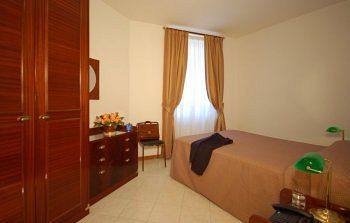 Residencia Vatican Suites Hotel And Residence
