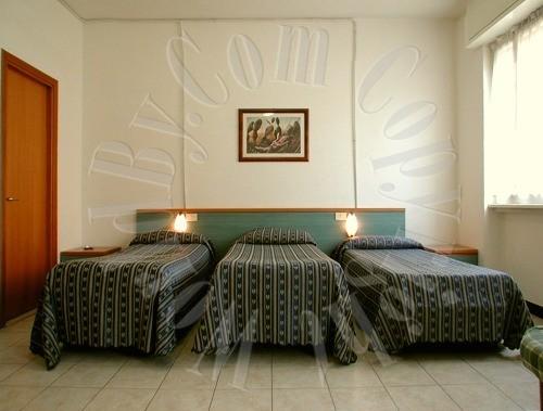 Beautiful Hotel Soggiorno Blu Roma Gallery - Modern Home Design ...