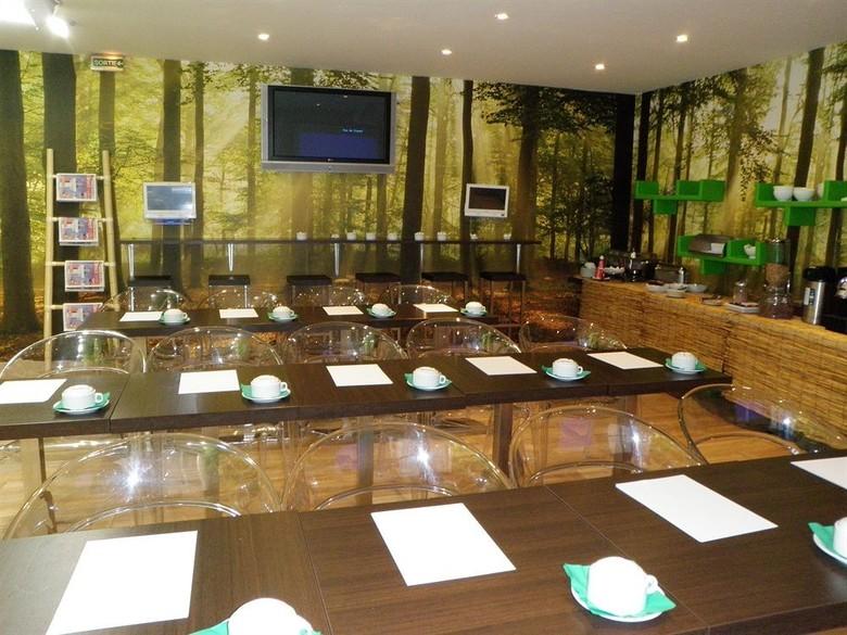 Ideal hotel design paris paris ile de france for Hotel ideal design paris 14