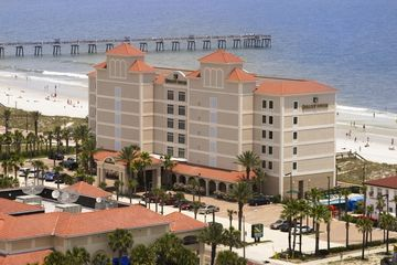Hotel Quality Suites Oceanfront
