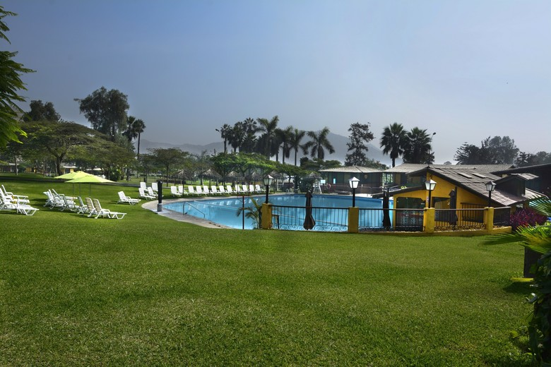Hotel El Pueblo Resort & Convention Center