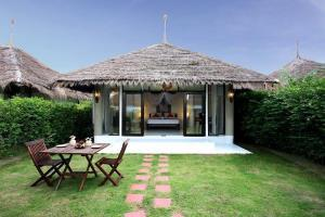 Hotel Dhevan Dara Resort & Spa