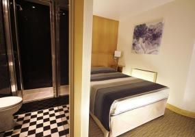 Hotel St Giles Feltham Heathrow