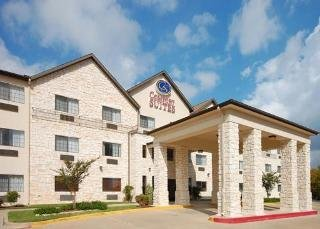 Hotel Comfort Suites I-35 North