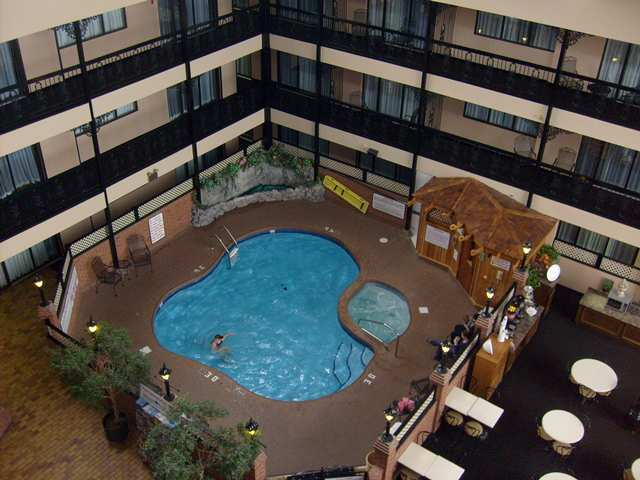 Hotel Hampton Inn-at The Falls