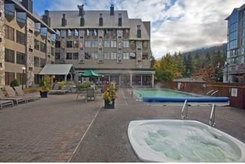 Hotel Executive Inn At Whistler Village