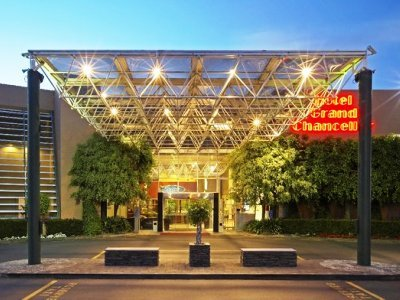 Hotel Grand Chancellor Airport