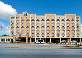 Hotel Comfort Inn & Suites Near Union Station