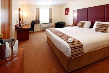 Mercure Swindon South Marston Hotel And Spa