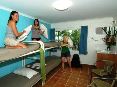 Hostal Njoy Travellers Resort #