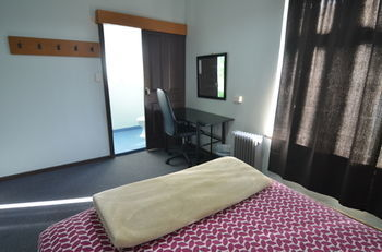 Hostal Hobart's Accommodation & Hostel